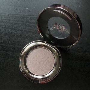 Urban Decay Single Eyeshadow - Bust